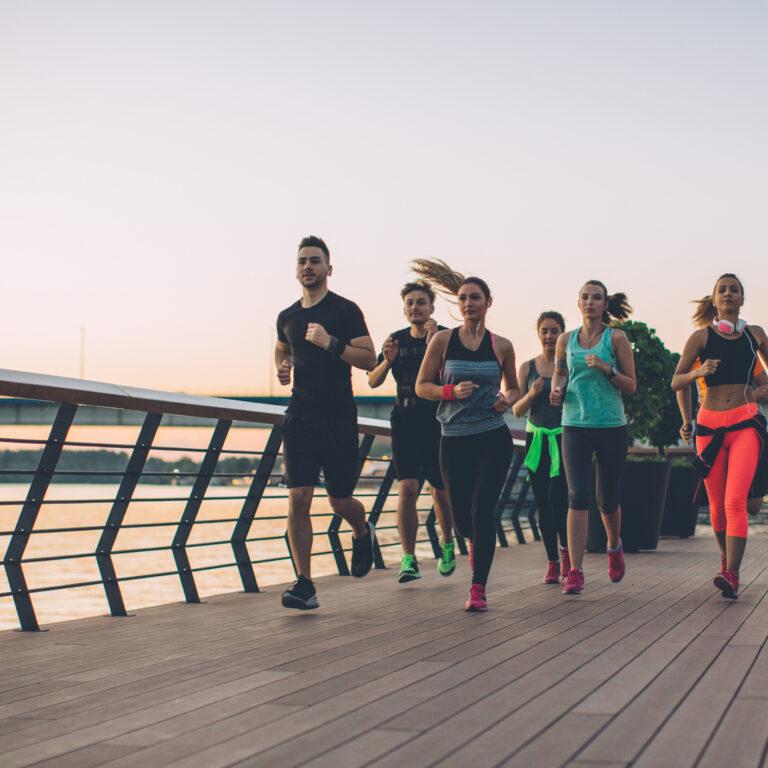 É melhor correr na rua ou no ginásio?
